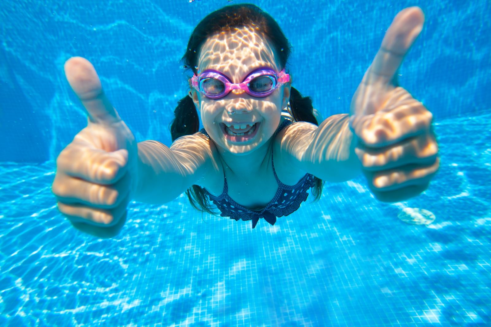 Swimming Goggles Are A Must While Swimming!